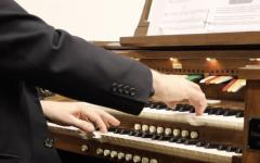 Students Enjoy Newly Donated Theatre Organ