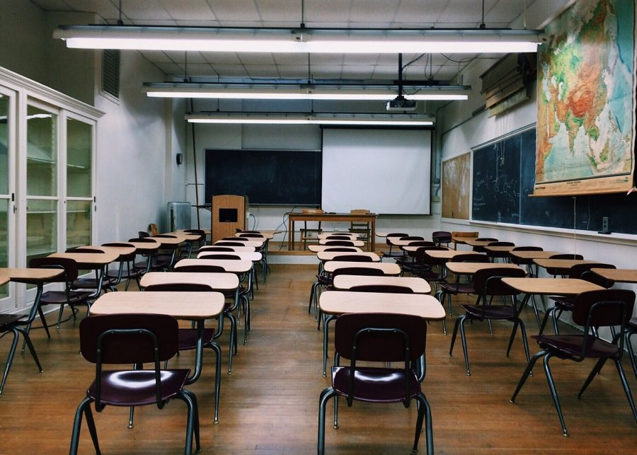 An+empty+class+room+%28pixabay+fair+use%29