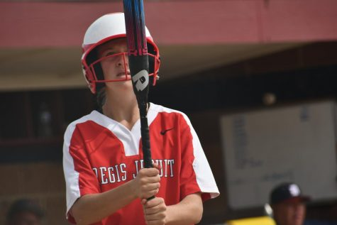 How Freshman Softball Player Natalie Shellhorn Gets Used to School and Softball at the Same Time